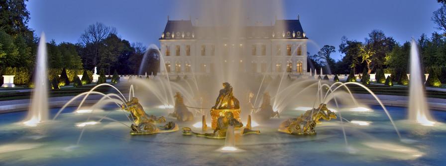 Современный дворец, затмивший Версаль: самый роскошный особняк близ Парижа нашел своего владельца